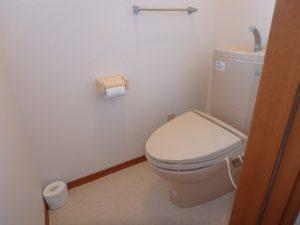 千葉県館山市加賀名の不動産 館山ポピーランドの中古住宅 海一望海が見える物件 2階のトイレ