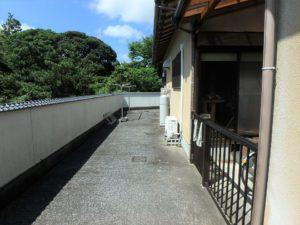 千葉県南房総市千倉町北朝夷の不動産 田舎暮らし移住向き物件 平家 家の周りは土間打ちしてます