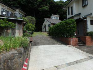千葉県館山市館山の不動産 中古住宅 館山の別荘 下から見たようす
