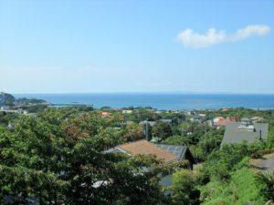 千葉県館山市加賀名の不動産 館山ポピーランドの中古住宅 海一望海が見える物件 開放感ある海の眺望です