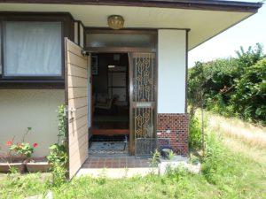千葉県館山市長須賀の中古住宅 館山の不動産 後に建てた2階屋の玄関