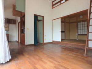 千葉県館山市館山の不動産 中古住宅 館山の別荘 LDKに隣接して和室