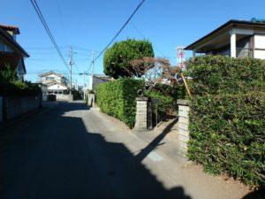 千葉県館山市長須賀の中古住宅 館山の不動産 接道のようすです