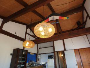 千葉県安房郡鋸南町下佐久間の不動産 アルカディアの物件 海一望の別荘 梁見せの天井も別荘らしい