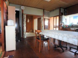 千葉県鴨川市江見吉浦の不動産 中古住宅 海そばの物件 約10帖程あります