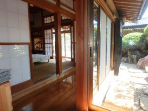 千葉県館山市亀ヶ原の不動産 田舎暮らし物件 日本家屋 雰囲気のある縁側廊下