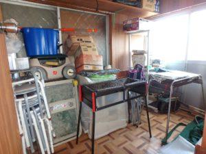 千葉県鴨川市江見吉浦の不動産 中古住宅 海そばの物件 洋室の北側には物置倉庫