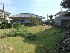 千葉県鴨川市江見吉浦の不動産 中古住宅 海そばの物件 庭を見てみましょう