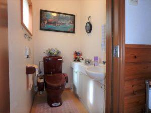 千葉県館山市浜田の不動産 海が見える別荘 海一望の物件 手洗い付きのトイレ