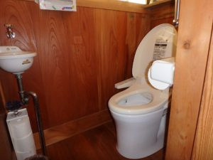 千葉県館山市亀ヶ原の不動産 田舎暮らし物件 日本家屋 1階トイレは男女便器併設