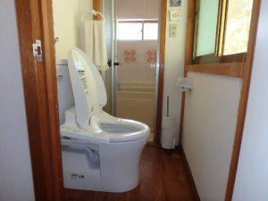 千葉県館山市亀ヶ原の不動産 田舎暮らし物件 日本家屋 2階のトイレとユニットバス
