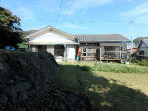 千葉県鴨川市江見吉浦の不動産 中古住宅 海そばの物件 建物は大きな平家です