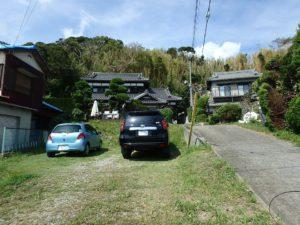 千葉県館山市亀ヶ原の不動産 田舎暮らし物件 日本家屋 一段下がった敷地は駐車場