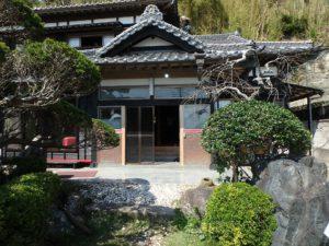 千葉県館山市亀ヶ原の不動産 田舎暮らし物件 日本家屋 玄関回りも風情があります