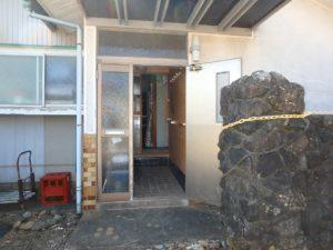 千葉県鴨川市江見吉浦の不動産 中古住宅 海そばの物件 室内に入ってみましょう