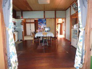 千葉県鴨川市江見吉浦の不動産 中古住宅 海そばの物件 建物中央部のDK