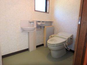 千葉県館山市岡田の不動産、山の中の別荘、田舎移住、トイレも通常より広め