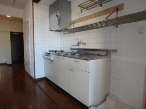 千葉県館山市洲崎の不動産、マンション、洲崎ロイヤルマンション、海の別荘 キッチンのようすです