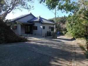 千葉県館山市岡田の不動産、山の中の別荘、田舎移住、前面道路も広い