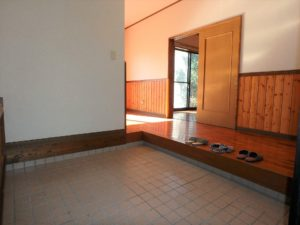 千葉県館山市岡田の不動産、山の中の別荘、田舎移住、室内をご紹介します