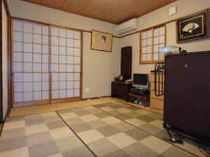 千葉県館山市の戸建て不動産,海が見える,豪華仕様,玄関右手は和室の続間