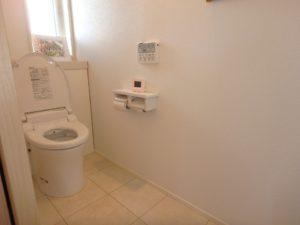 千葉県館山市加賀名の不動産,築浅戸建て,ポピーランド別荘地内,海望む,2階のトイレです