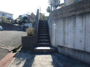千葉県館山市加賀名の不動産,ポピーランド別荘地,海が見える物件,海望む別荘,建物へはこの階段から