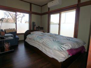 内房,千葉県富津市岩瀬の不動産,中古戸建て,別荘.移住,田舎暮らし,玄関前の洋室です