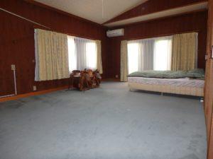 千葉県館山市沼の不動産、中古戸建、別荘、広い敷地、キャンプ用地、海一望、オーシャンビュー、ここは南側の主寝室です