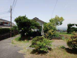 千葉県館山市沼の不動産、中古戸建、別荘、広い敷地、キャンプ用地、海一望、オーシャンビュー、屋根が見えてきました