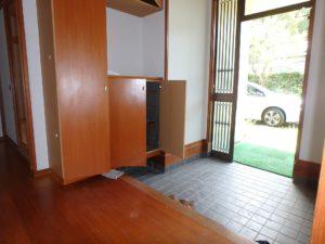 千葉県南房総市千倉町川戸の不動産、中古戸建、別荘、作業場付き、玄関の様子です