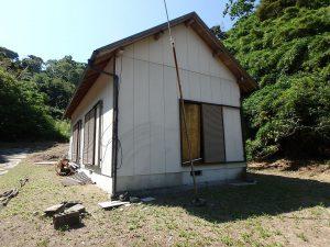 千葉県館山市正木の不動産、山林、小屋付き、ドッグラン、動物飼育、個人キャンプ場、ロッジ風の小屋付きです