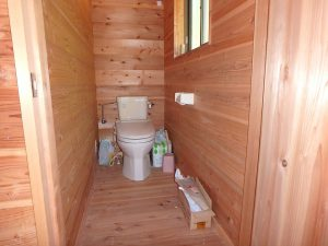 千葉県館山市正木の不動産、山林、小屋付き、ドッグラン、動物飼育、個人キャンプ場、トイレは簡易水洗