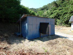千葉県館山市正木の不動産、山林、小屋付き、ドッグラン、動物飼育、個人キャンプ場、お隣の小屋は使えない
