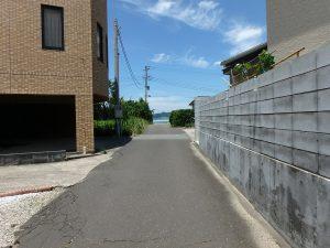 千葉県南房総市富浦町多田良の不動産、土地、海水浴場近く、海が見える、海の方へ歩いてみます
