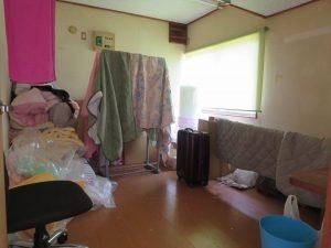 千葉県館山市宮城の不動産、古家付き土地、田舎暮らし、二地域居住、DIY物件、玄関脇の納戸的な部屋
