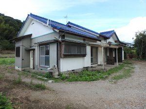 千葉県館山市宮城の不動産、中古住宅、山林、別荘、移住、リモートワーク、二地域居住、大きな平家の建物ですね