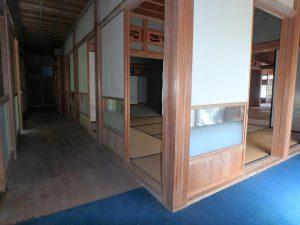 千葉県南房総市富浦町深名の不動産、古民家、富浦インター近く、別荘、移住、田舎暮らし、回り廊下のある家です