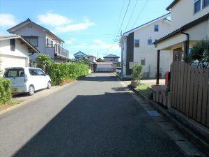 千葉県館山市長須賀の不動産、中古戸建て、築浅、移住、二地域居住、前面の公道です