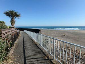千葉県南房総市和田町白渚の不動産、土地、海が目の前、海望む、この海沿い遊歩道がイイ