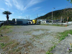 千葉県南房総市和田町白渚の不動産、土地、海が目の前、海望む、隣接地も駐車場です