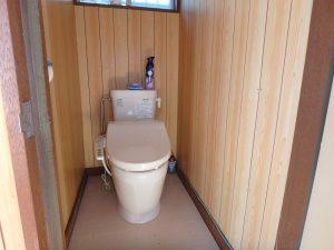 千葉県館山市波左間の不動産、中古別荘、海の近く、コンパクトな建物、トイレは簡易水洗です