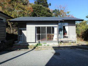 千葉県館山市波左間の不動産、中古別荘、海の近く、コンパクトな建物、1LDKの小さな別荘です