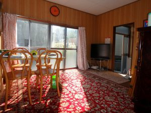 千葉県館山市波左間の不動産、中古別荘、海の近く、コンパクトな建物、独り使いにちょうど良いな