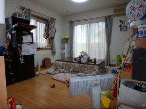 千葉県鴨川市東町の不動産、中古戸建て、積水ハウス施工、玄関右手がLDKです