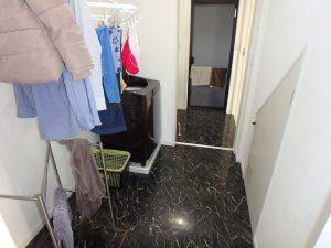 千葉県館山市高井の不動産、築浅戸建て、移住、キッチン横にはドライ室