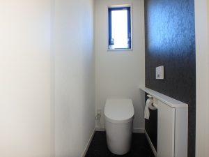 千葉県館山市高井の不動産、築浅戸建て、移住、トイレは1階と2階に