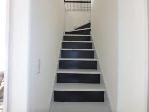 千葉県館山市高井の不動産、築浅戸建て、移住、続いて2階に上がります