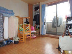 千葉県鴨川市東町の不動産、中古戸建て、積水ハウス施工、中央にある5帖の部屋