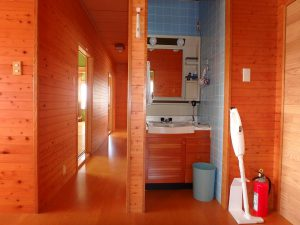 千葉県南房総市白浜町滝口の不動産、海が見える別荘・保養所、海一望、トイレの前には洗面